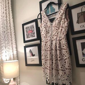 White lace v neck dress
